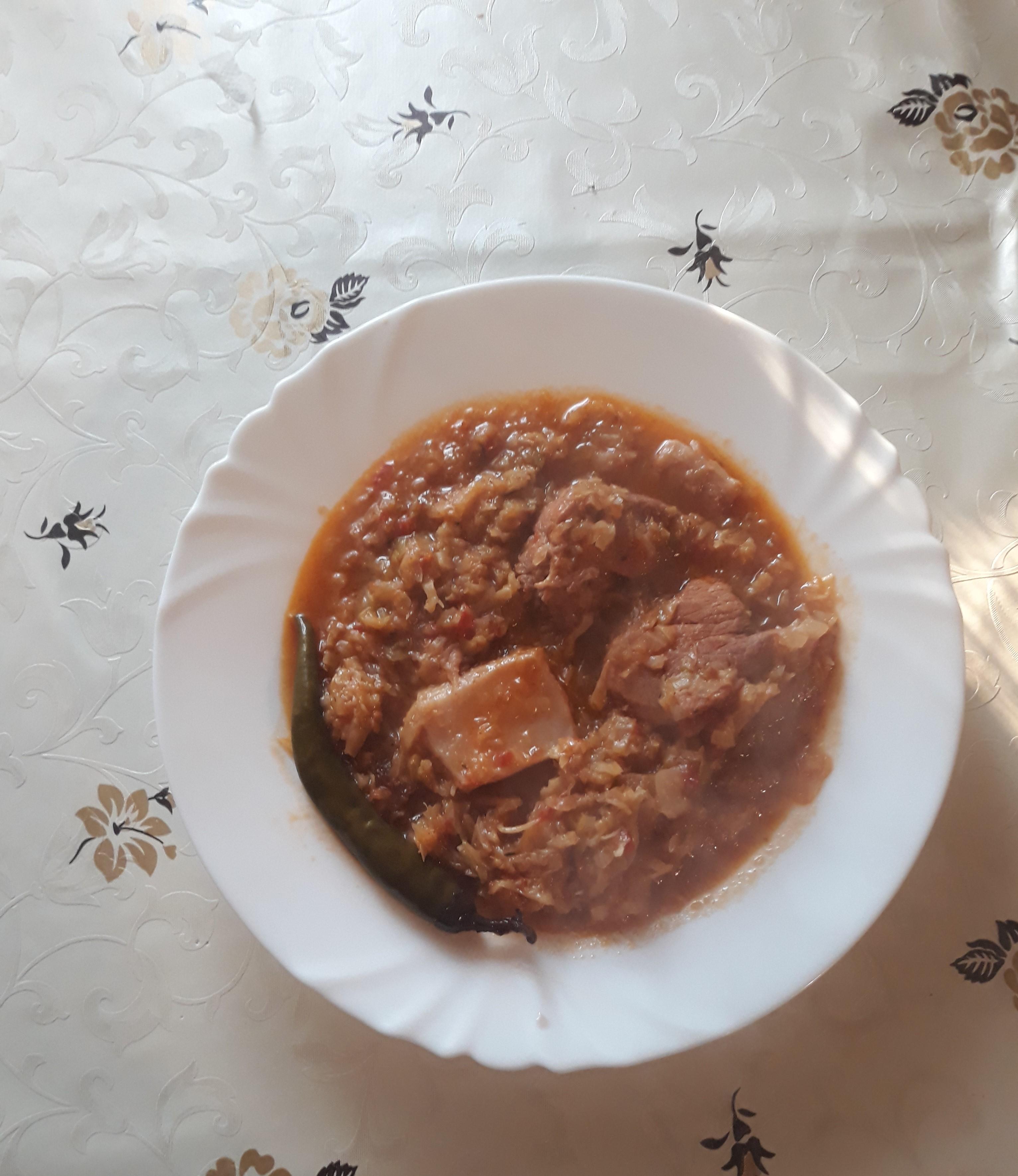 Varza dulce cu carne de porc